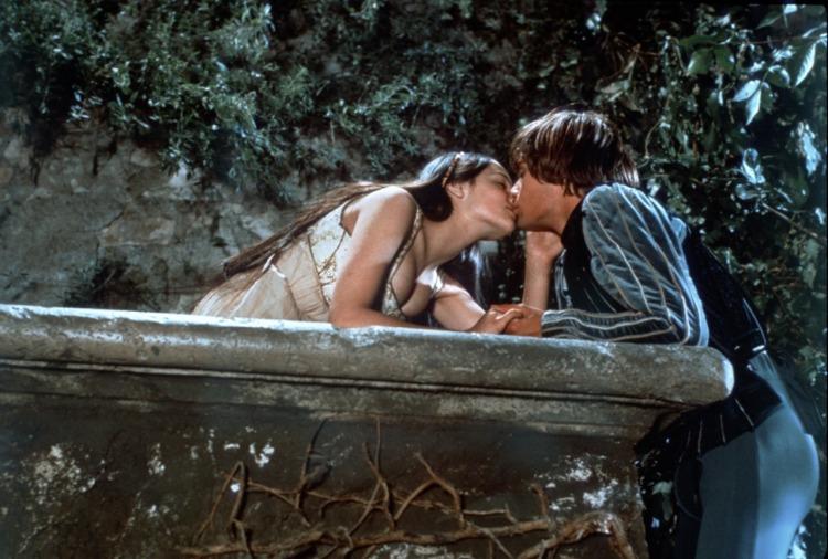 Romeo-And-Juliet-Movie-1968-Film-Version-Shakespeare-Leonard-Olivia-Zeffirelli